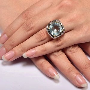 Jewelry - 💕Aquamarine Sterling Silver Ring